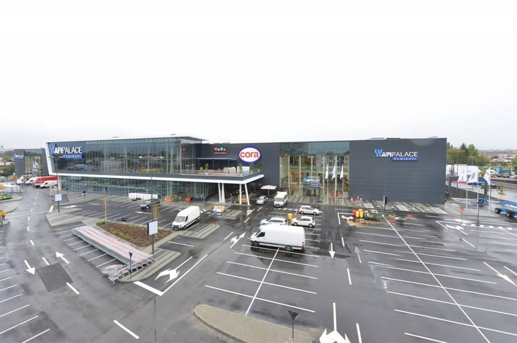 rajiceva shopping mall